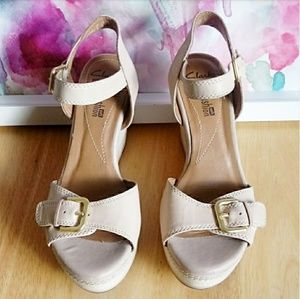 CLARKS | ZIA Castle Wedge Sandals Size 6.5